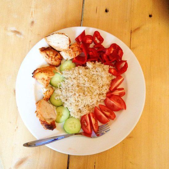 Dinner #notmyplate #serebiifoodjournal #happymonday @armyxxl 's plate