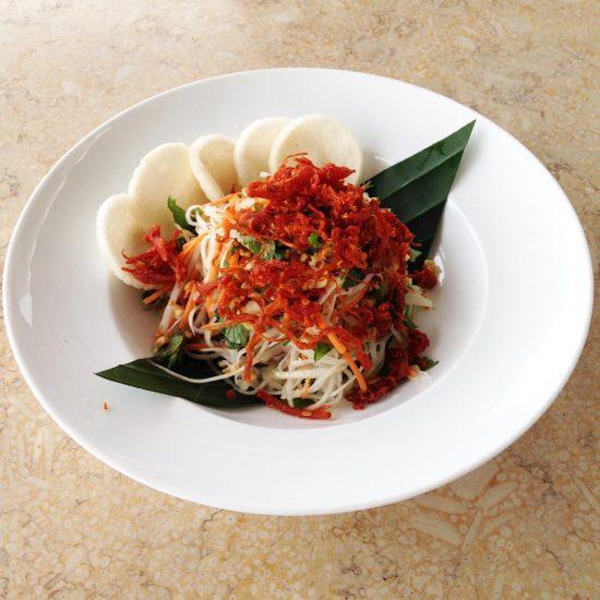 Beef papaya salad