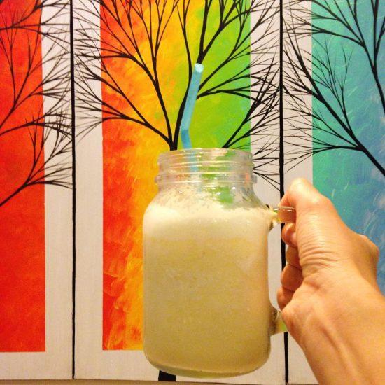 Piña colada & yogurt smoothie