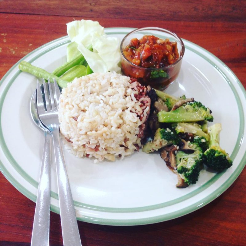 "Plant based day: I had stir-fry mushroom broccoli and mushroom chili paste with brown rice near my new place. I am feeling like eating food from my own kitchen. Healthy, yummy and clean vegan food🍀@armyxxl #serebiifoodjournal #plantbased #islandlife 🌴 ""You are what you eat."""