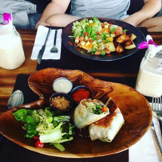 Amazing veggie breakfast: 1. breakfast veggie burrito  2. Spanish breakfast: avocado & veggies & eggs .....Wake up Drinks: coconut water mixed with ginger and coffee. #serebiifoodjournal #healthyfood #islandlife 🌴