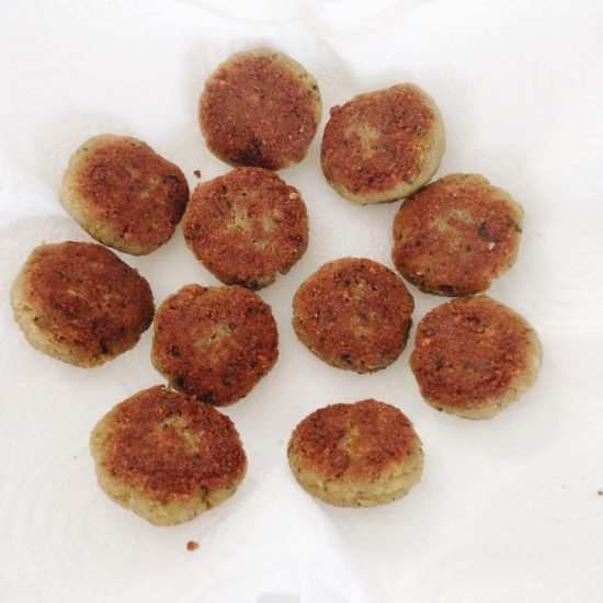 I bought pre made falafel mixture from lucky 🐮. When I cooked it, I rolled the mixture to into flat balls and cooked them in the pan. I ate them with dark bread 🍞 , vegan sausage, and siracha sauce. They were really yummy. I love falafel.