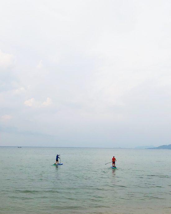 Day 2 SUP around Koh Samui from Lamai to Shiva beach club - Shiva beach club to Jinta resort in the south of Koh Samui . . . . . . #iloveSUP #keeppaddling #SUP #standuppaddle #standuppaddling #morningSUP #islandlife #happiness #beachlife #islandgirl #simplelife