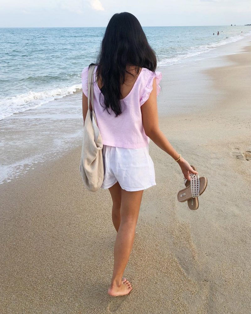 Throwback, evening walk on the beach 🏝