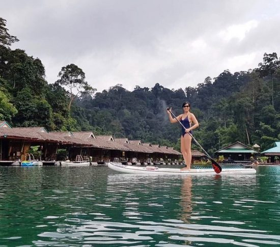 Paddled around Raft house in Khao Sok National park