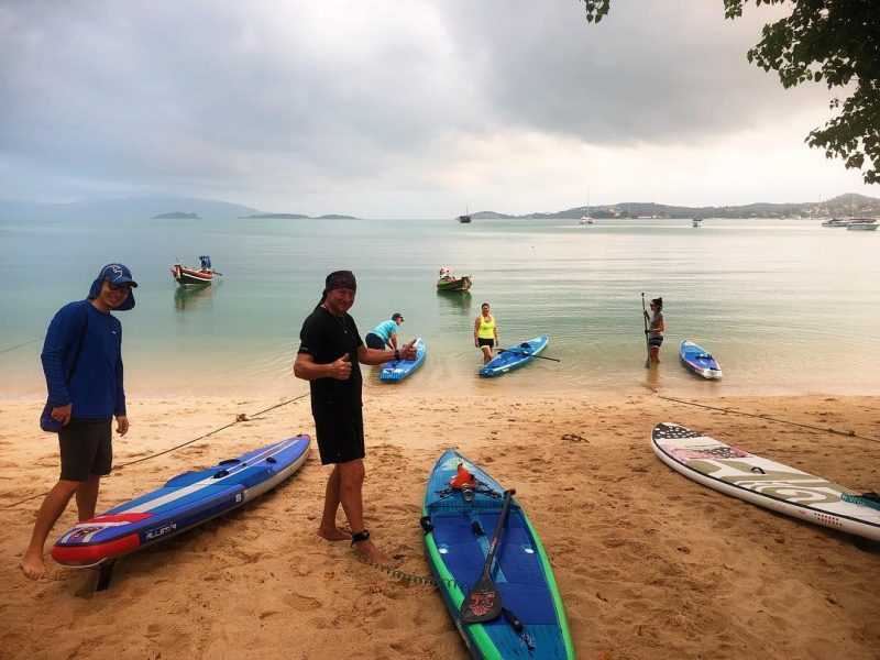 Morning SUP with friends and secret SUP ladies' group. Markus and Ali did 8k morning workout paddle to close by Koh Som and back to Bangrak beach.  I was paddling around Bangrak beach with Marie, KL and Tammy. They were practicing their race boards today. I was on my yoga board. 😆🏝🏖🌊