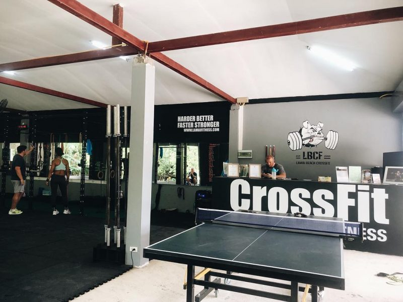 Getting ready for Saturday morning CrossFit! #fitness #crossfit #lamaibeachcrossfit #samui #thailand #crossfitsamui #getfitwithme #funworkout #stronggroup #workoutmotivation #workoutinspiration #fitcouple #crossfitcommunity #goodvibes