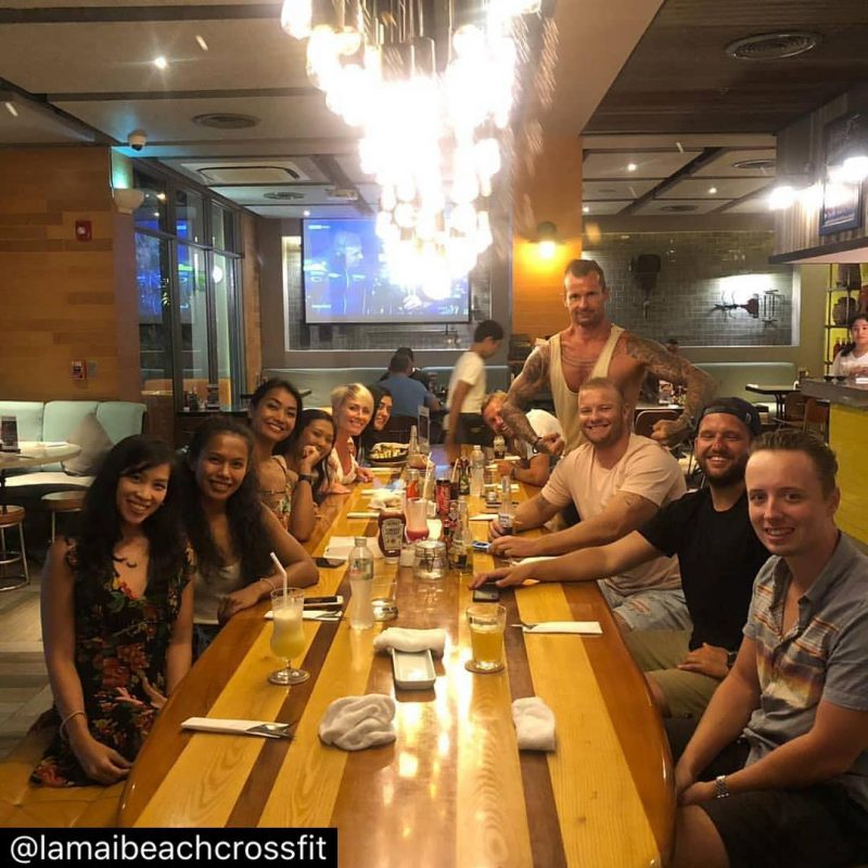 Burger night with Lamai Beach Crossfit crew... train hard and eat hard 🏋🏻‍♀️🥰 love this community!#crossfitcommunity