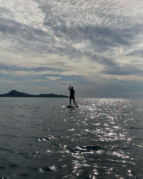 Morning paddle with friends  #perfectday #beachlife #islandlife #happyislanders #lifeisgreat #kohsamui #thailand #SUP  #standuppaddleboarding #paddleboard