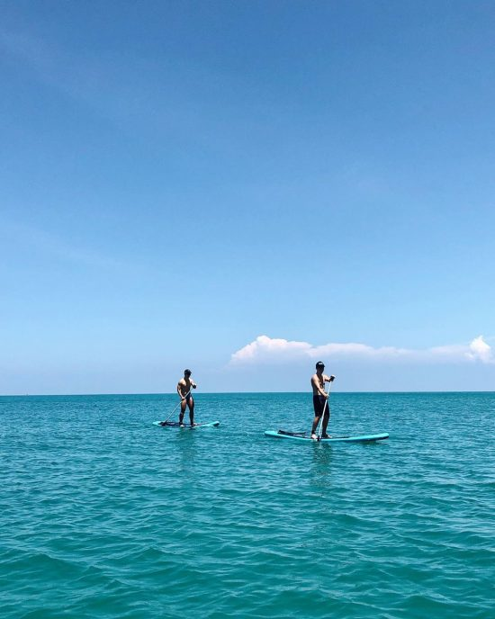 Saturday paddle with my friends at Baobab in Lamai . . . . . . . .  #perfectday #beachlife #islandlife #happyislanders #lifeisgreat #kohsamui #thailand #SUP  #standuppaddleboarding #paddleboard