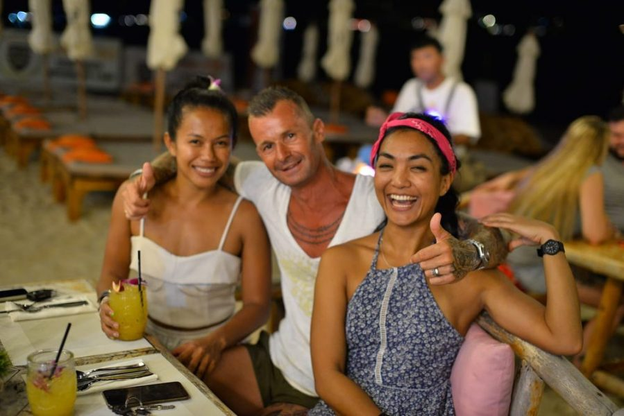 Family 1, family 2, family 3, family 4. Hahaha we are so happy to be back to see lamai beach family again! 🏝🍍🏝🍍😍🥰😘 xoxo