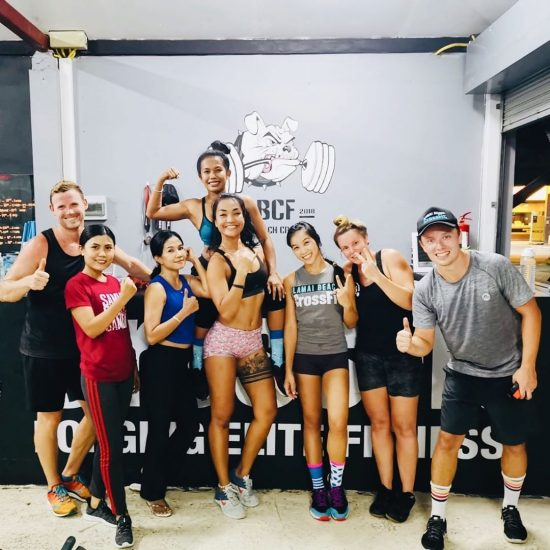 Throwback CrossFit last Friday .⠀📸 @fun_o_o .⠀ #crossfitdiary #fitness #crossfit #lamaibeachcrossfit #samui #thailand #crossfitsamui #getfitwithme #funworkout #stronggroup #workoutmotivation #workoutinspiration #goodvibes  #crossfitthailand #thailandcrossfit #crossfiteverydamnday