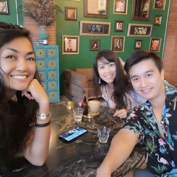 Cafe-hopping with friends