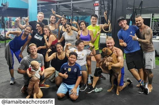 Throwback crossfit 7 pm class last Monday. We were having fun as always. 😆😍 we love spending time with fun and positive people. Princey and Benji were looking at each other. So cute! #crossfitdiary #fitness #crossfit #lamaibeachcrossfit #samui #thailand #crossfitsamui #getfitwithme #funworkout #stronggroup #workoutmotivation #workoutinspiration #goodvibes  #crossfitthailand #thailandcrossfit #crossfiteverydamnday