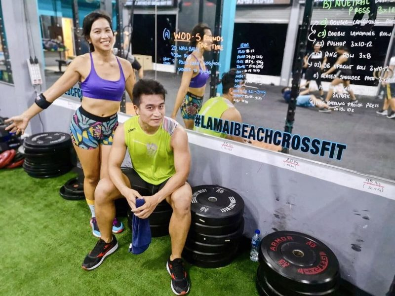 Enjoying the fan after WOD  #crossfitdiary #fitness #crossfit #lamaibeachcrossfit #samui #thailand #crossfitsamui #getfitwithme #funworkout #stronggroup #workoutmotivation #workoutinspiration #goodvibes  #crossfitthailand #thailandcrossfit #crossfiteverydamnday